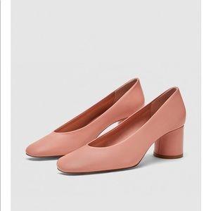 High heel leather pumps